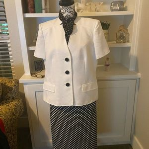Kasper two-piece business suit with matching scarf